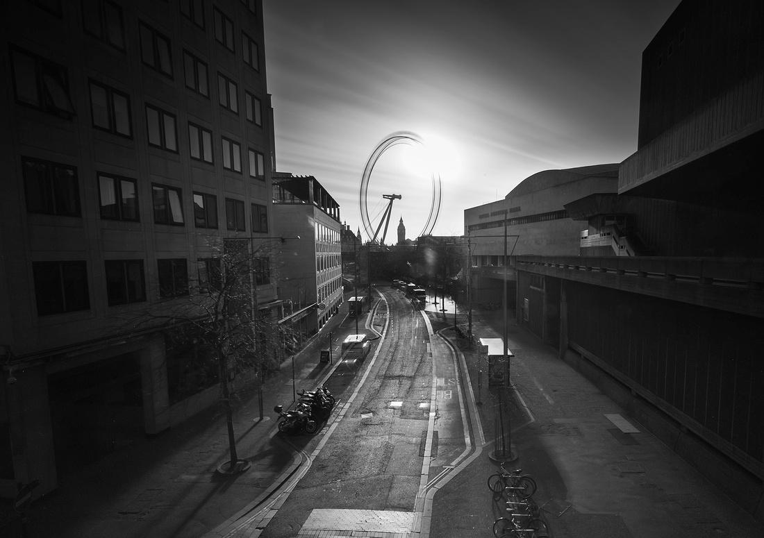Empty London Waterloo Bridge0672-Edit