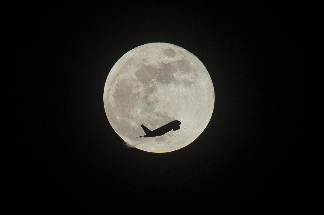 Super Blue Moon Canary Wharf06