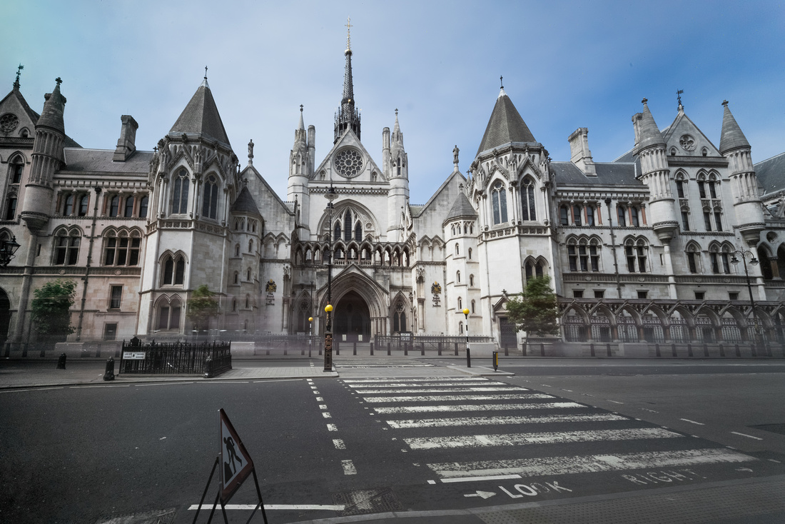 Royal Courts of Justice empty best-1